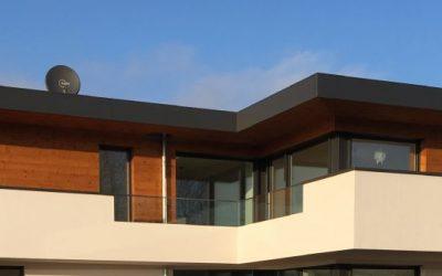 Balkon, Fassade und Dach
