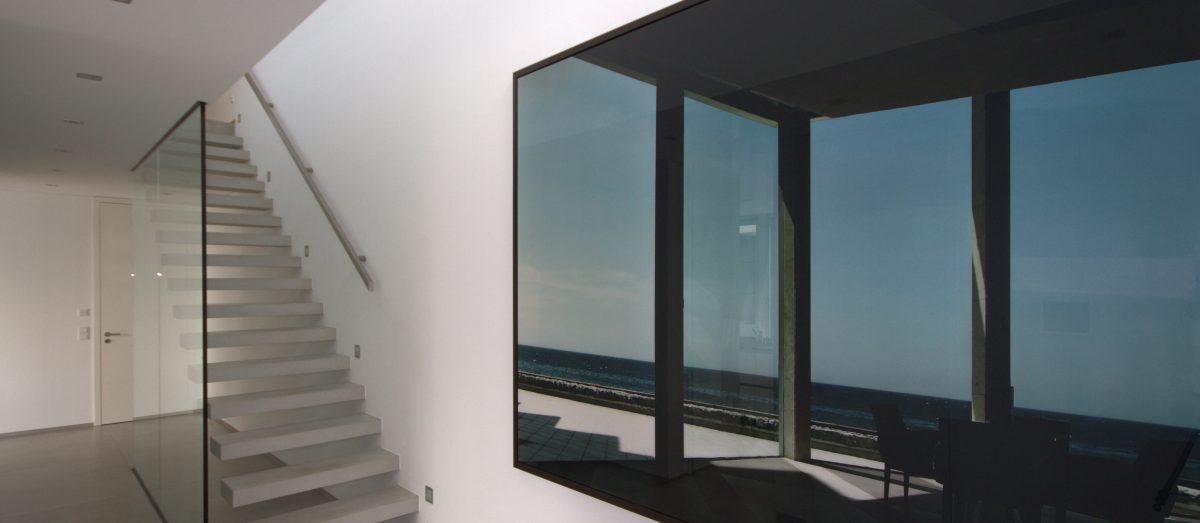 Flying Steps Treppe Beton inkl. Glaswand
