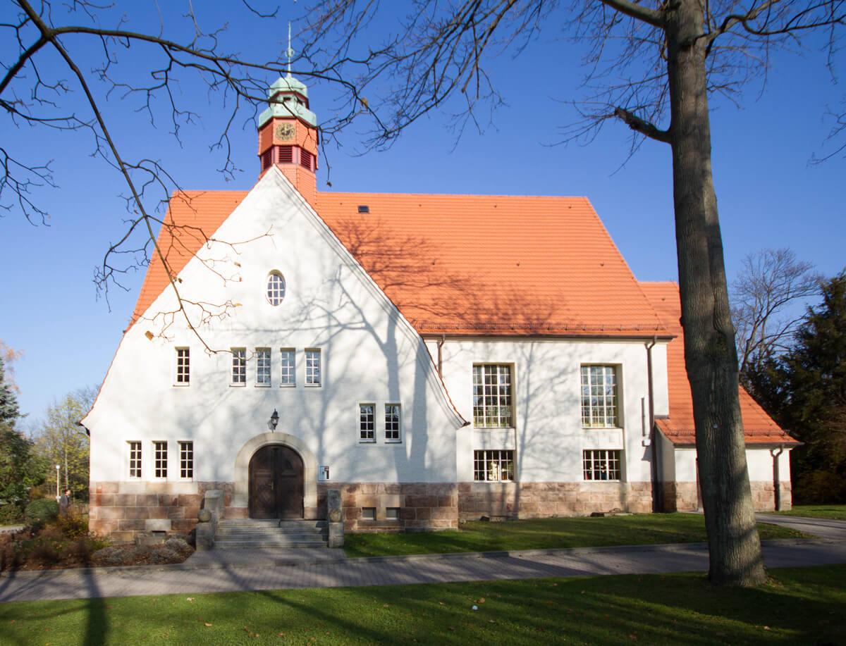 Denkmalgeschützte historische Massivholzhaustür original nachgebildet